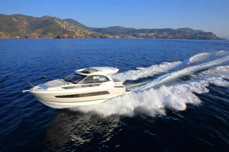 Leader 33 │ Leader of 11m │ Boat powerboat Jeanneau 1-Navigation 18326
