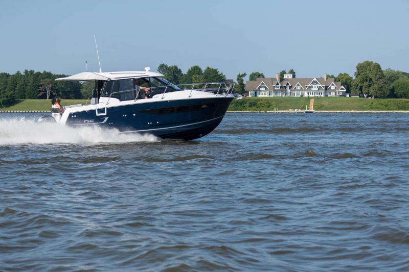 NC 895 │ NC Weekender of 9m │ Boat powerboat Jeanneau  18954