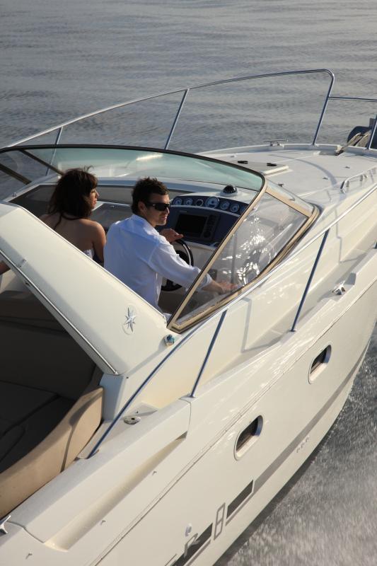 Leader 8 │ Leader of 9m │ Boat powerboat Jeanneau boat Leader-Leader8 64