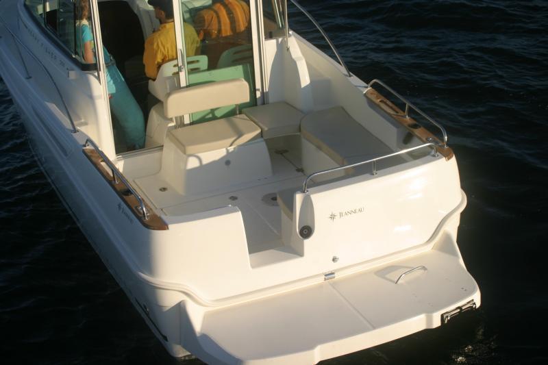 Merry Fisher 705 │ Merry Fisher Inboard of 7m │ Boat Inboard Jeanneau  6611