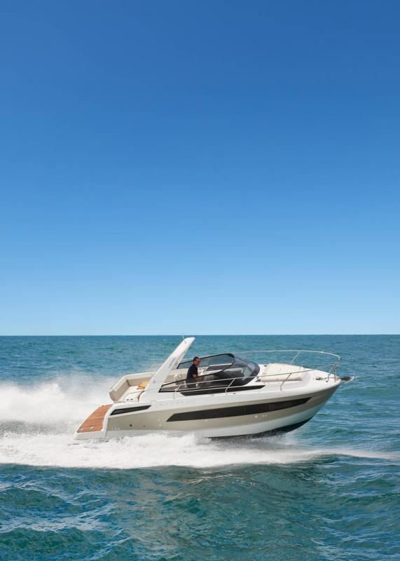 Leader 30 │ Leader of 9m │ Boat powerboat Jeanneau 1-Navigation 18234