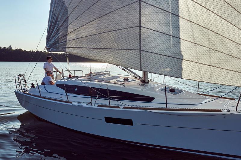 Sun Odyssey 319 Vista esterni 7