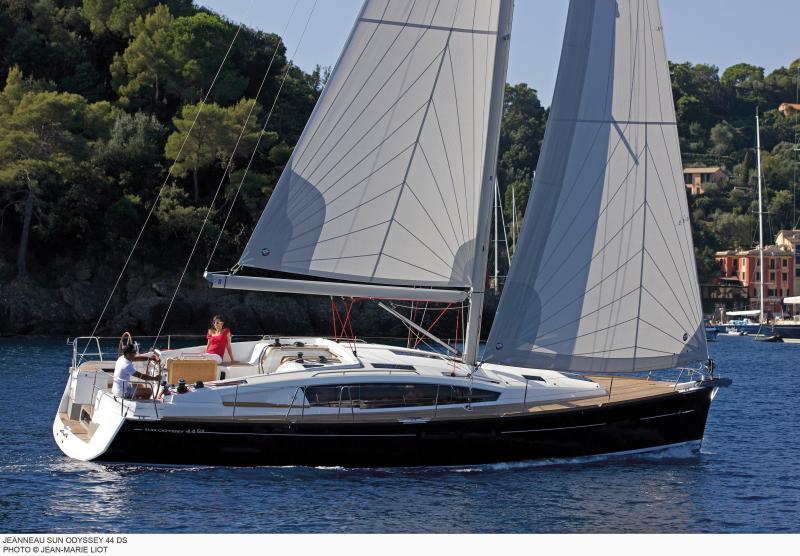 Sun Odyssey 44 DS │ Sun Odyssey DS of 13m │ Boat Sailboat Jeanneau boat Sun-Odyssey-DS-44DS 384