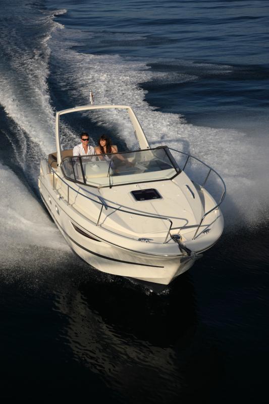 Leader 8 │ Leader of 9m │ Boat powerboat Jeanneau boat Leader-Leader8 80