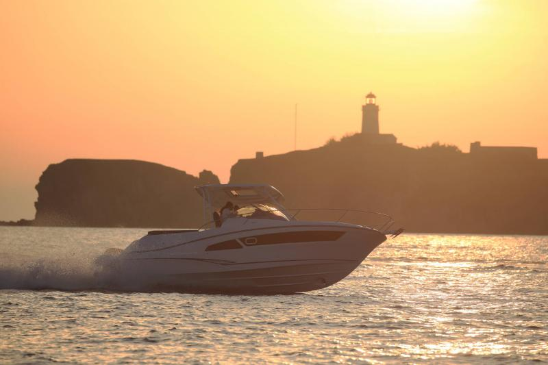 Cap Camarat 9.0 WA │ Cap Camarat Walk Around de 9m │ Bateaux powerboat Jeanneau 1-Navigation 17306