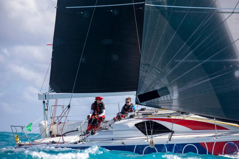 Sun Fast 3300 │ Sun Fast of 10m │ Boat Sailboat Jeanneau  20591