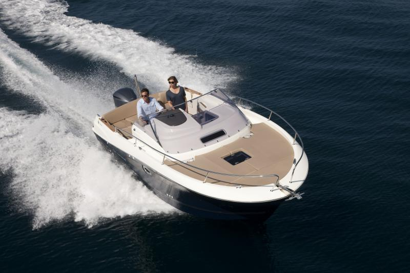 Cap Camarat 8.5 WA │ Cap Camarat Walk Around of 8m │ Boat powerboat Jeanneau  265