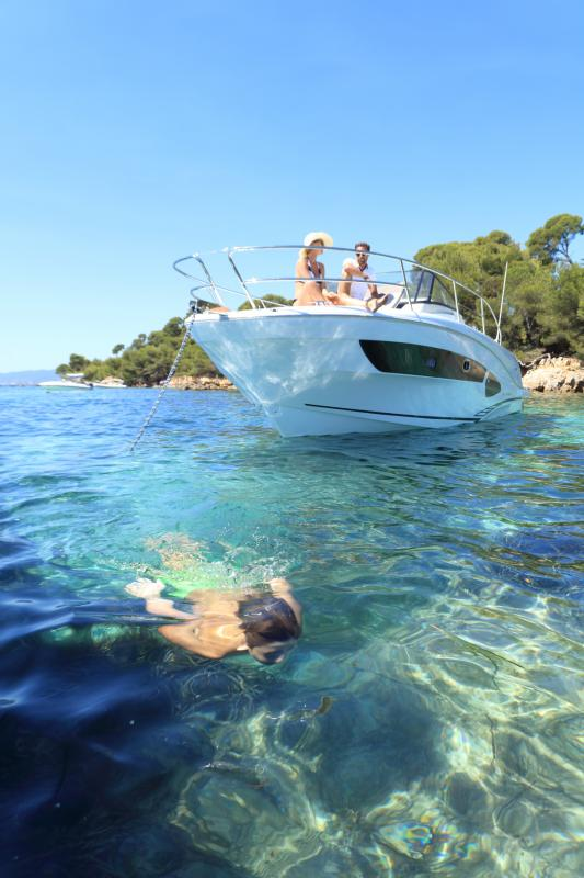 Cap Camarat 10.5 WA │ Cap Camarat Walk Around of 11m │ Boat Outboard Jeanneau  4285