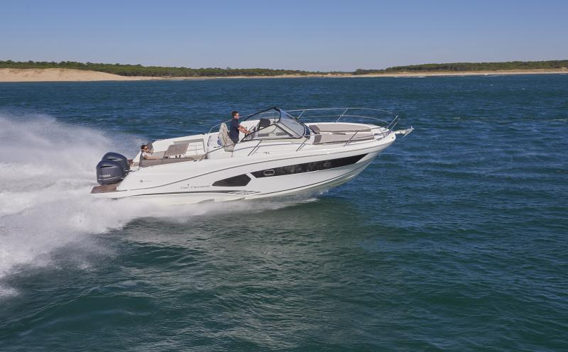 Cap Camarat 10.5 WA │ Cap Camarat Walk Around of 11m │ Boat Outboard Jeanneau  1695