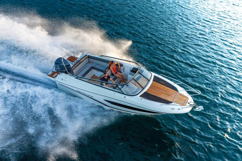 Cap Camarat 7.5 DC │ Cap Camarat Day Cruiser of 7m │ Boat powerboat Jeanneau  22116