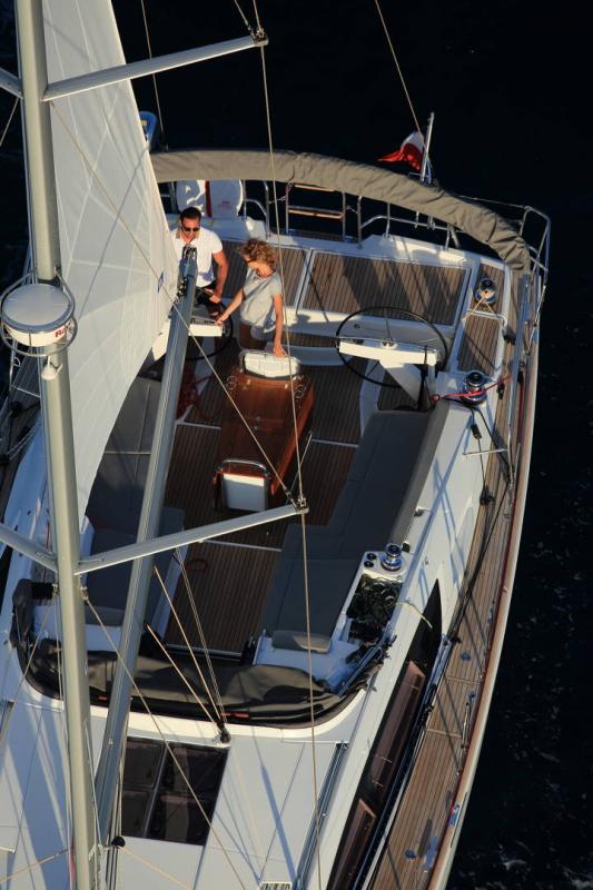Jeanneau 58 │ Jeanneau Yachts of 18m │ Boat Sailboat Jeanneau  17536