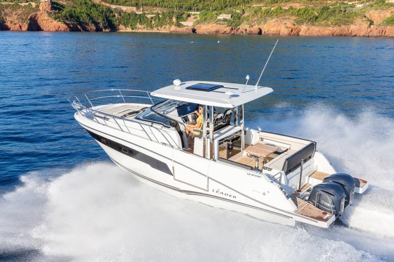 Leader 10.5 Series 2 │ Leader WA of 11m │ Boat powerboat Jeanneau  22291