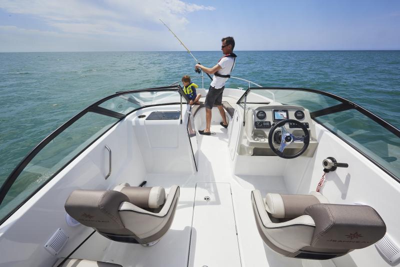 CAP CAMARAT 6.5 BR │ Cap Camarat Bow Rider of 6m │ Boat powerboat Jeanneau CAP CAMARAT 6.5 BR 3045