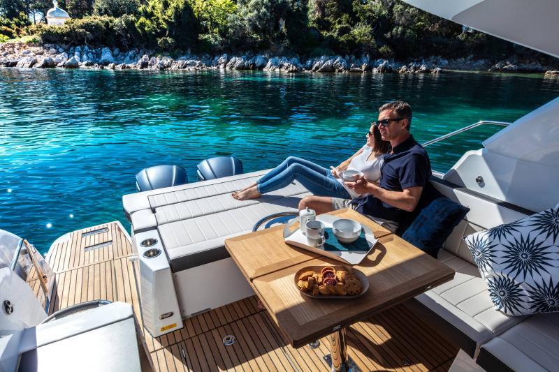 Leader 33 │ Leader of 11m │ Boat Inboard Jeanneau Outboard version 18256