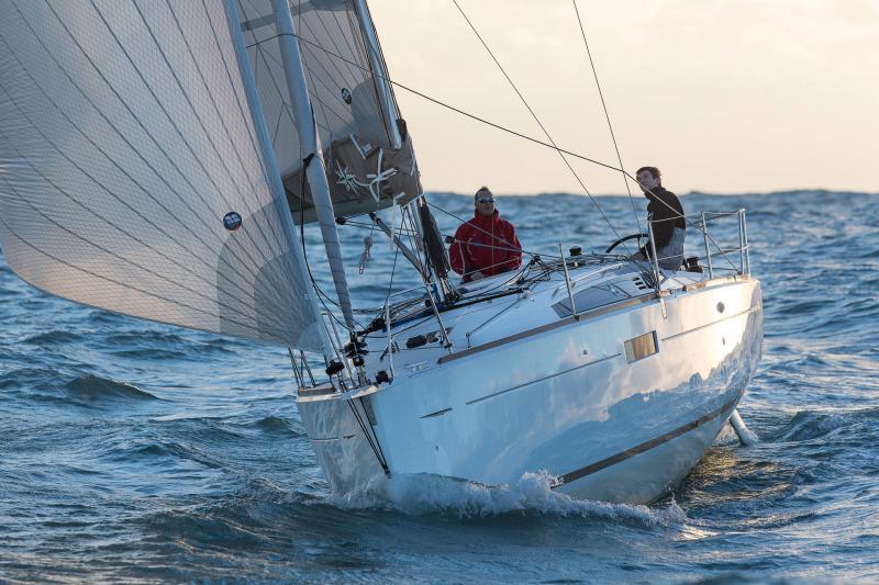 Sun Odyssey 349 │ Sun Odyssey de 10m │ Bateaux Voiliers Jeanneau  19162