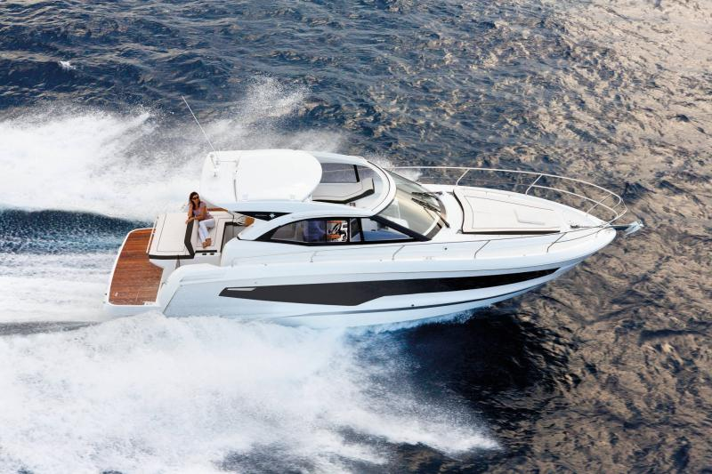 Leader 36 │ Leader of 12m │ Boat powerboat Jeanneau  22087