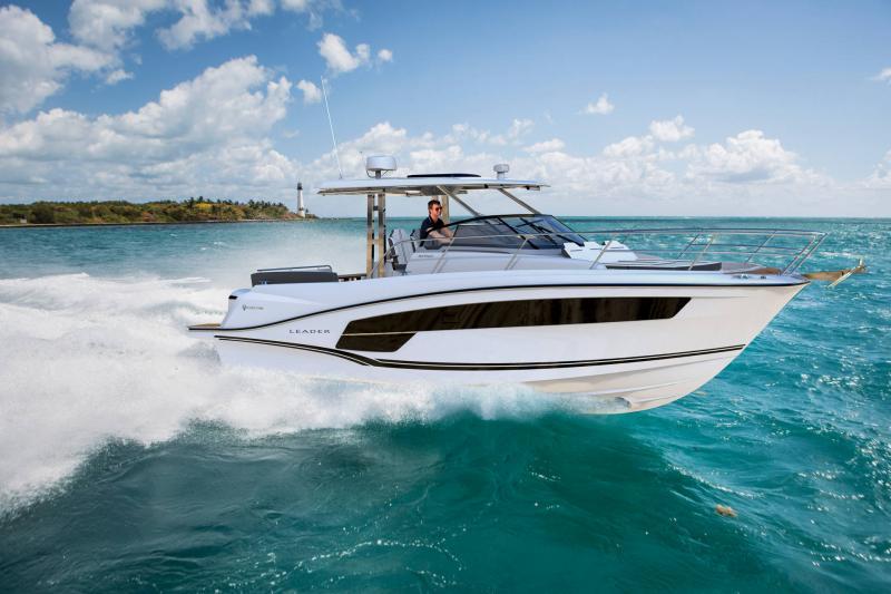 Leader 10.5 Series 2 │ Leader WA of 11m │ Boat powerboat Jeanneau  21663