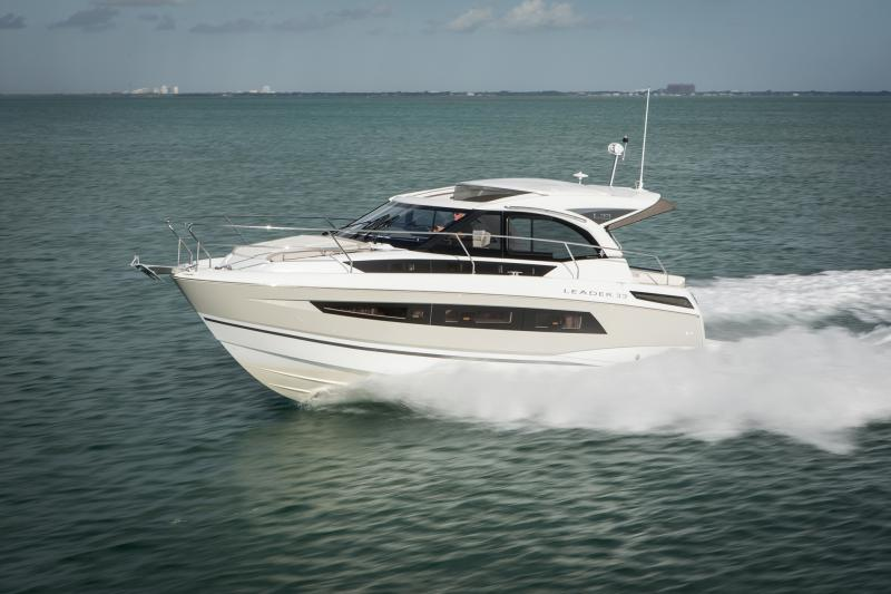 Leader 33 Exterior Views 21