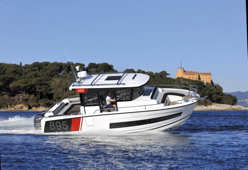 Merry Fisher 895 Sport │ Merry Fisher Sport of 9m │ Boat powerboat Jeanneau  23162