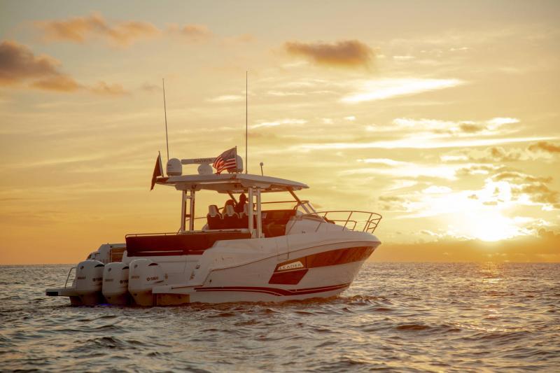 Leader 12.5 │ Leader WA of 12m │ Boat powerboat Jeanneau  21626