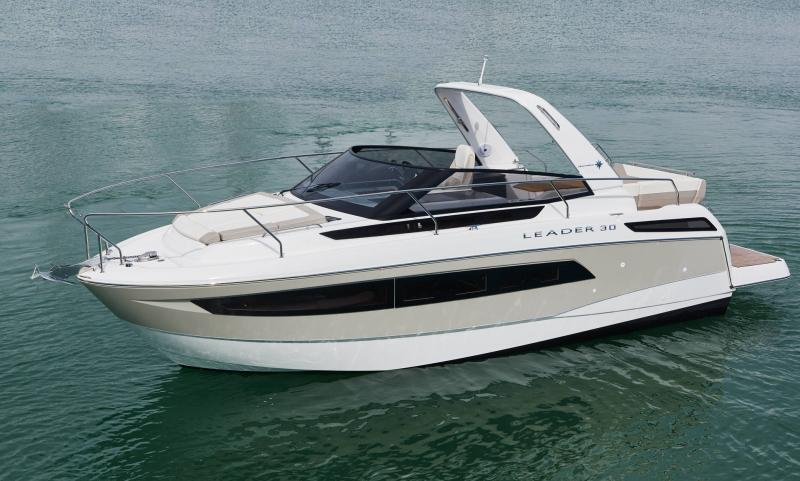 Leader 30 │ Leader of 9m │ Boat powerboat Jeanneau 2-Anchoring 18233