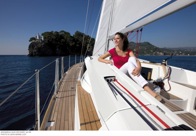 Sun Odyssey 44 DS │ Sun Odyssey DS of 13m │ Boat Sailboat Jeanneau boat Sun-Odyssey-DS-44DS 360