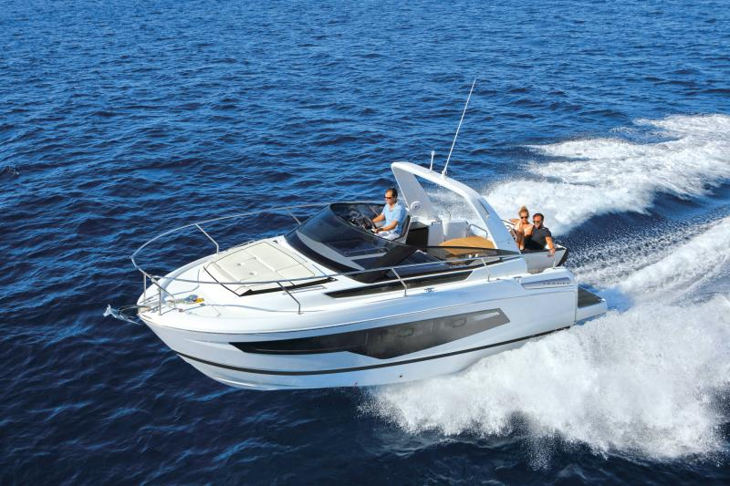 Leader 30 │ Leader of 9m │ Boat powerboat Jeanneau  22053