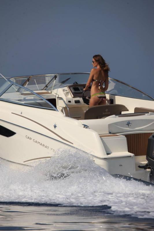Cap Camarat 7.5 DC │ Cap Camarat Day Cruiser of 7m │ Boat powerboat Jeanneau  17228