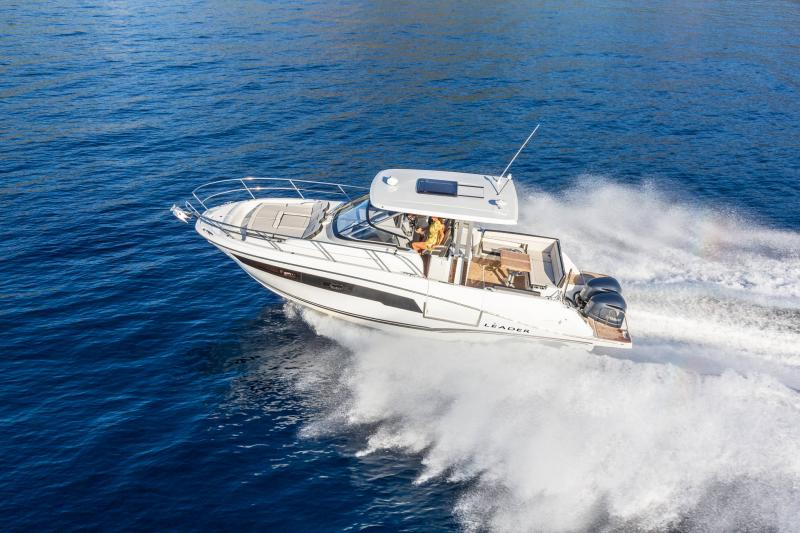 Leader 10.5 Series 2 │ Leader WA of 11m │ Boat powerboat Jeanneau  22039
