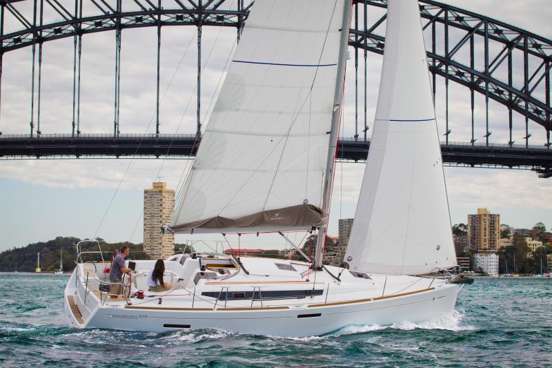 Sun Odyssey 379 │ Sun Odyssey of 11m │ Boat Sailboat Jeanneau  8340