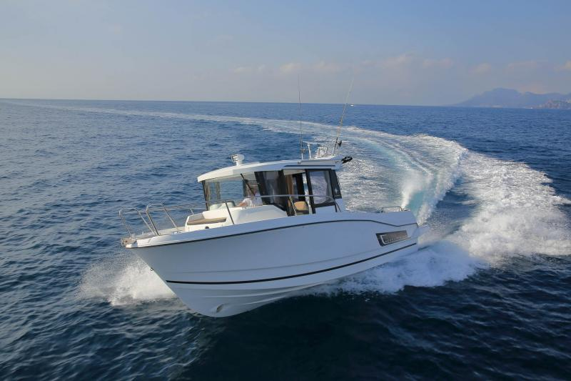 Merry Fisher 795 Marlin │ Merry Fisher Marlin of 7m │ Boat Outboard Jeanneau  10745