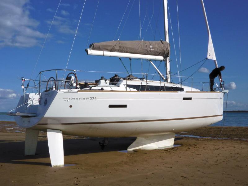 Sun Odyssey 379 │ Sun Odyssey of 11m │ Boat Sailboat Jeanneau  8343