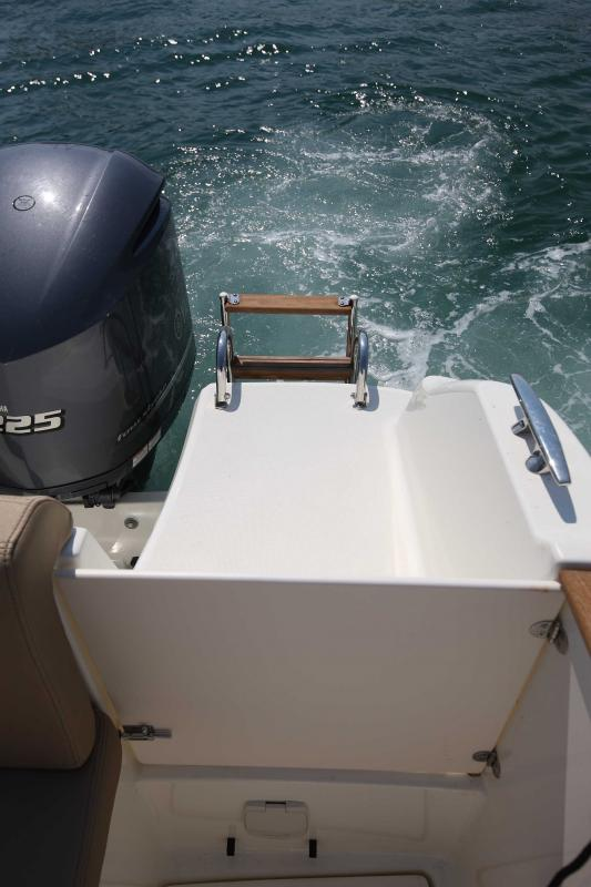 Cap Camarat 8.5 WA │ Cap Camarat Walk Around of 8m │ Boat powerboat Jeanneau  18
