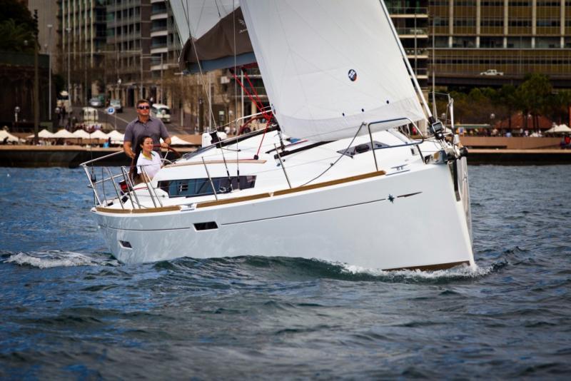 Sun Odyssey 379 │ Sun Odyssey of 11m │ Boat Sailboat Jeanneau  8347