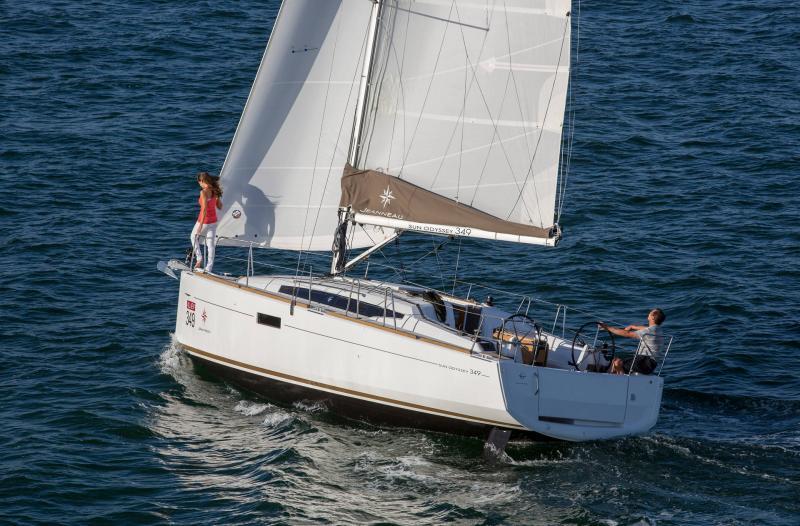 Sun Odyssey 349 │ Sun Odyssey de 10m │ Bateaux Voiliers Jeanneau  19149