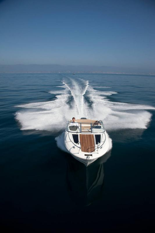 Cap Camarat 7.5 DC │ Cap Camarat Day Cruiser of 7m │ Boat powerboat Jeanneau  17236