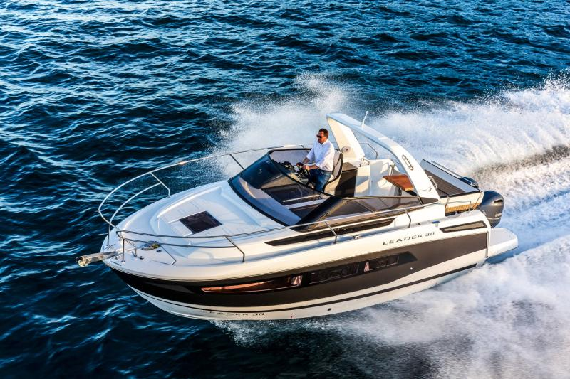 Leader 30 │ Leader of 9m │ Boat powerboat Jeanneau Outboard version 18193