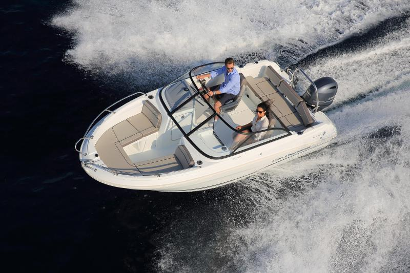 CAP CAMARAT 5.5 BR │ Cap Camarat Bow Rider of 5m │ Boat powerboat Jeanneau CAP CAMARAT 5.5 BR 4829