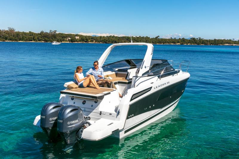 Leader 30 │ Leader of 9m │ Boat powerboat Jeanneau Outboard version 18169
