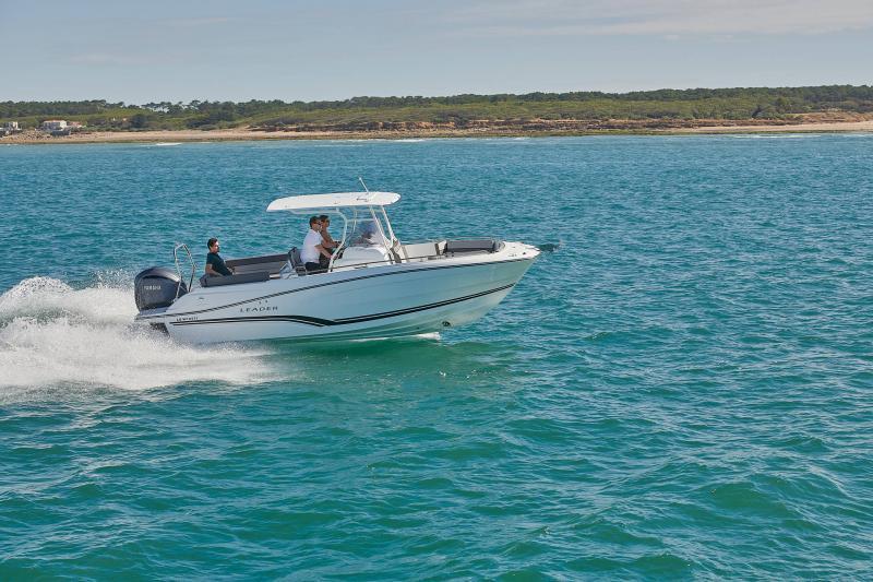 Leader 7.5 CC Series 3 │ Leader CC of 7m │ Boat powerboat Jeanneau  23220