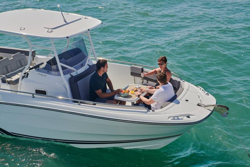 Leader 7.5 CC Series 3 │ Leader CC of 7m │ Boat powerboat Jeanneau  23070