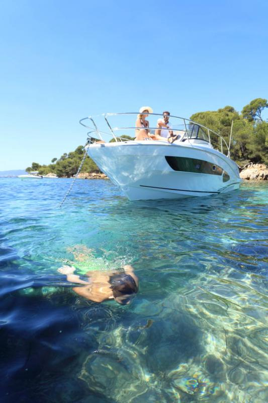 Cap Camarat 10.5 WA │ Cap Camarat Walk Around of 11m │ Boat Outboard Jeanneau  17134