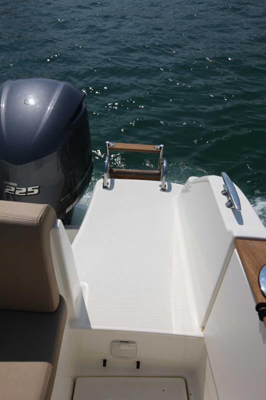 Cap Camarat 8.5 WA │ Cap Camarat Walk Around of 8m │ Boat powerboat Jeanneau  16
