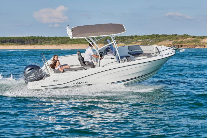 Leader 6.5 CC Series 3 │ Leader CC of 7m │ Boat powerboat Jeanneau  21655