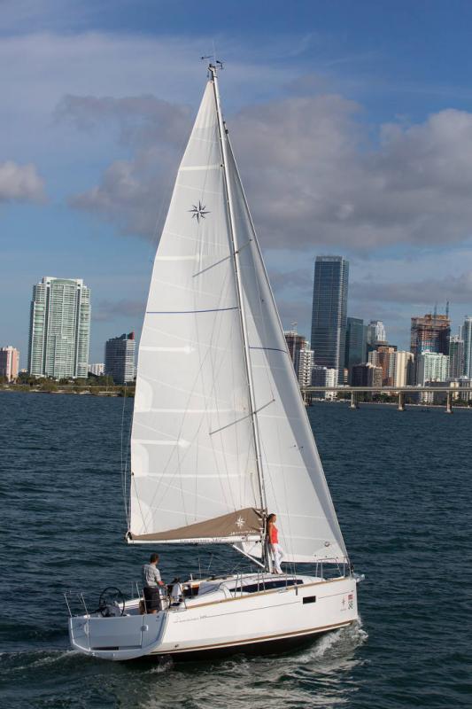 Sun Odyssey 349 │ Sun Odyssey of 10m │ Boat Sailboat Jeanneau  19152
