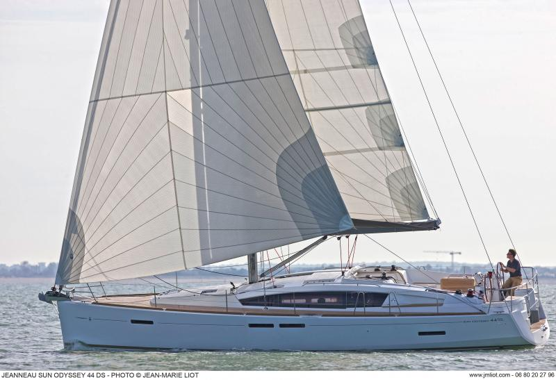 Sun Odyssey 44 DS │ Sun Odyssey DS of 13m │ Boat Sailboat Jeanneau boat Sun-Odyssey-DS-44DS 381