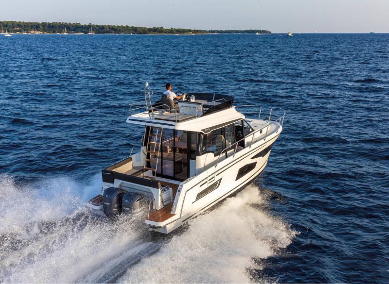 Merry Fisher 1095 Fly │ Merry Fisher de 10m │ Bateaux powerboat Jeanneau  22165
