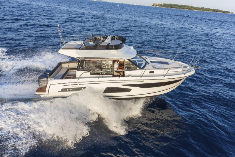 NC 1095 Fly │ NC Weekender of 10m │ Boat powerboat Jeanneau  21017