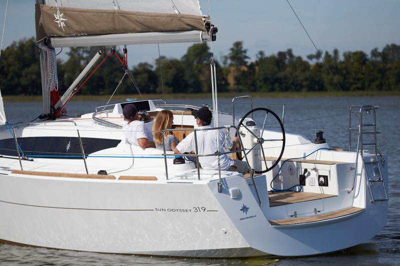 Sun Odyssey 319 Vista esterni 31