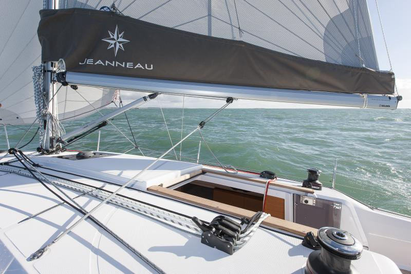 Sun Odyssey 349 │ Sun Odyssey of 10m │ Boat Sailboat Jeanneau boat Sun-Odyssey-349 902